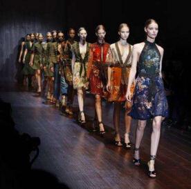 世界上最贵的裙子品牌排行榜,Valentino(华伦天奴)横扫时尚界