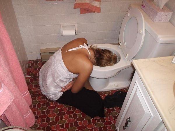 【女人喝醉酒图片】真实女人喝醉酒的后果图片排行榜