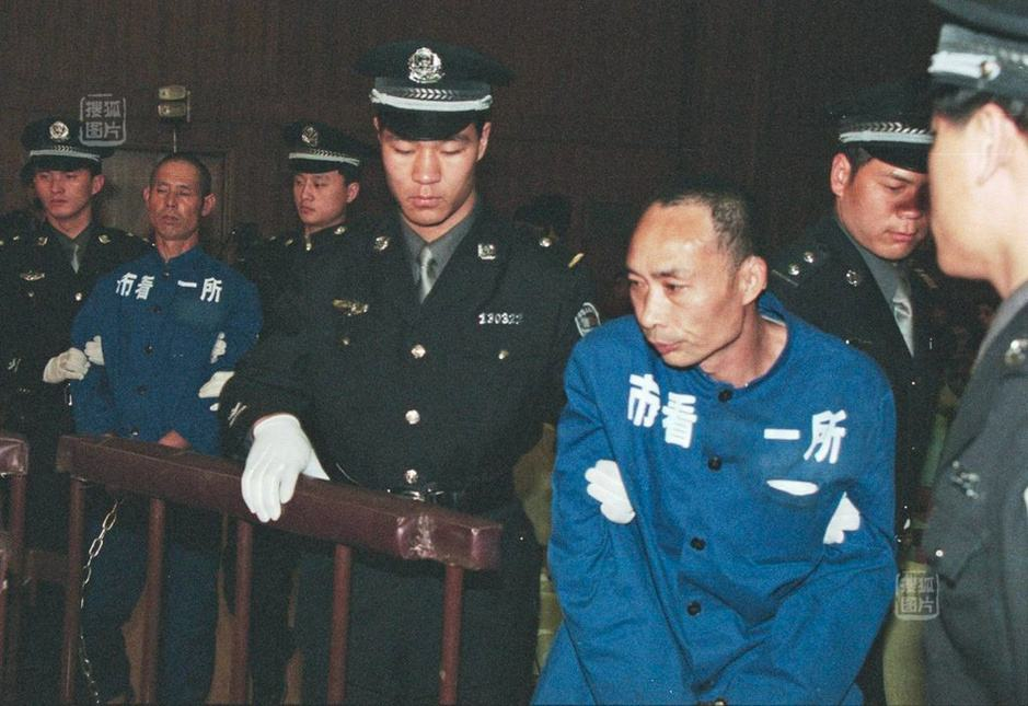 中国十大杀人魔:一个用轧面条机杀17人一个因口角杀12人