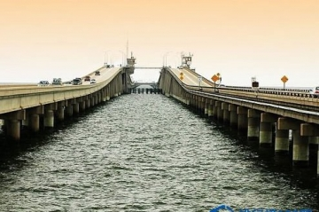世界上最長的橋:龐恰特雷恩湖橋