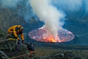 免费韩国成人影片上最大的熔岩湖:尼拉贡戈火山坑