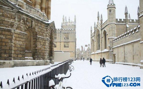雪中的学院派气息