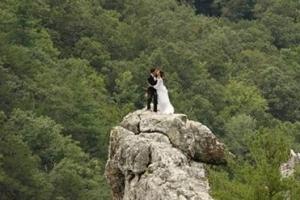 别样的婚礼方式 盘点全球最刺激的婚礼现场