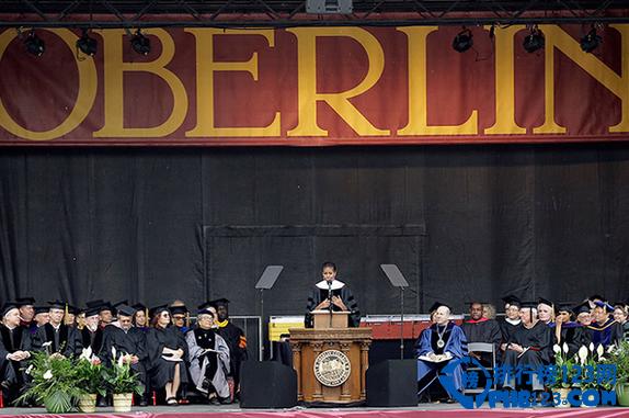 不管你怎么看待出国留学这件事,但是,要去美国挣一个大学文凭真心不便宜。下面排行榜123网的小编就带你看看美国最新出炉的10所最贵大学排行榜。