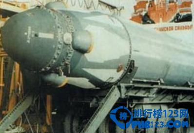 洲际弹道导弹(ICBM)被认为是一种主要的核威慑力量,目前只有少数国家拥有发射这种远距离武器的技术。近年来很多军事强国都开始发展自己的尖端武器,尤其注重在远程导弹上下大手笔。下面就跟着排行榜网的小编一起来盘点世界排行前十的洲际导弹。