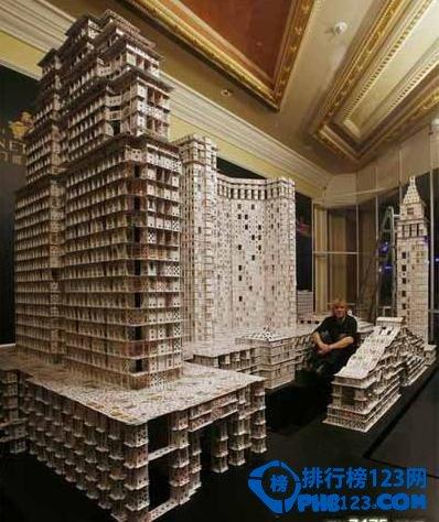 世界上最牛的扑克牌搭建者  最大的扑克牌建筑