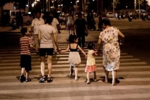 10大愚蠢教育排行榜,父母毀孩子的典型表現!