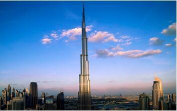 迪拜最高楼叫什么?迪拜最高楼哈利法塔828米刺破云层