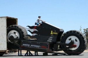 """盤點世界上最大的摩托車,澳大利亞""""摩托怪獸""""(重14噸)"""