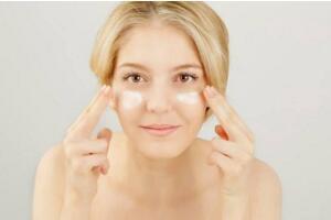 眼霜的正确使用顺序,眼霜的正确使用方法