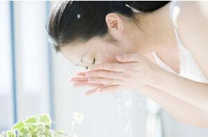 白醋洗脸的正确方法排行榜,美白淡斑只需一瓶醋