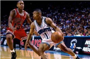 NBA历史上十大最矮的球员:小虫博格斯仅有1.6米(美国女性平均1.69米)