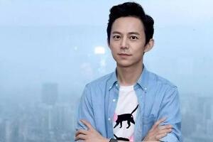 微博粉丝最多的男明星:国民主持人何炅(粉丝数达8562万)