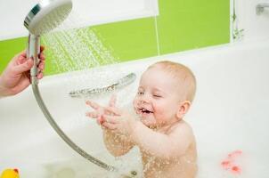 2017婴儿洗头沐浴露排行榜,婴儿二合一沐浴露哪个牌子好