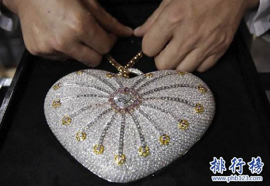 """世界最昂贵手包:""""一千零一夜"""" 18K金 4500颗钻石"""