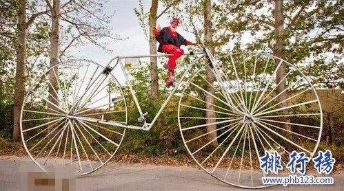 世界上最大的自行车:宽12米高5米的自行车你一定没见过!
