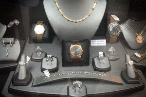 天猫珠宝钻石品牌销量排行榜前十,珠宝销量周大福夺得第一
