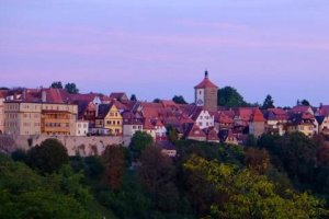 世界上钻石最多的城市:德国诺德林根镇 共7.2万吨