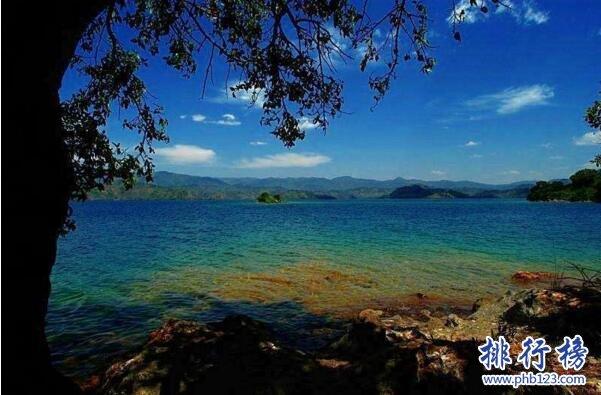 非洲杀人湖之谜,世界上最恐怖的湖泊(数百万人丧命于此)