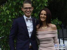 世界上最倒霉的情侣:澳洲情侣约会遭雷劈 女死男重伤