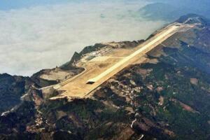 世界十大最危险机场排名 ?#26377;?#23830;边起飞(驾驶员和乘客的噩梦)