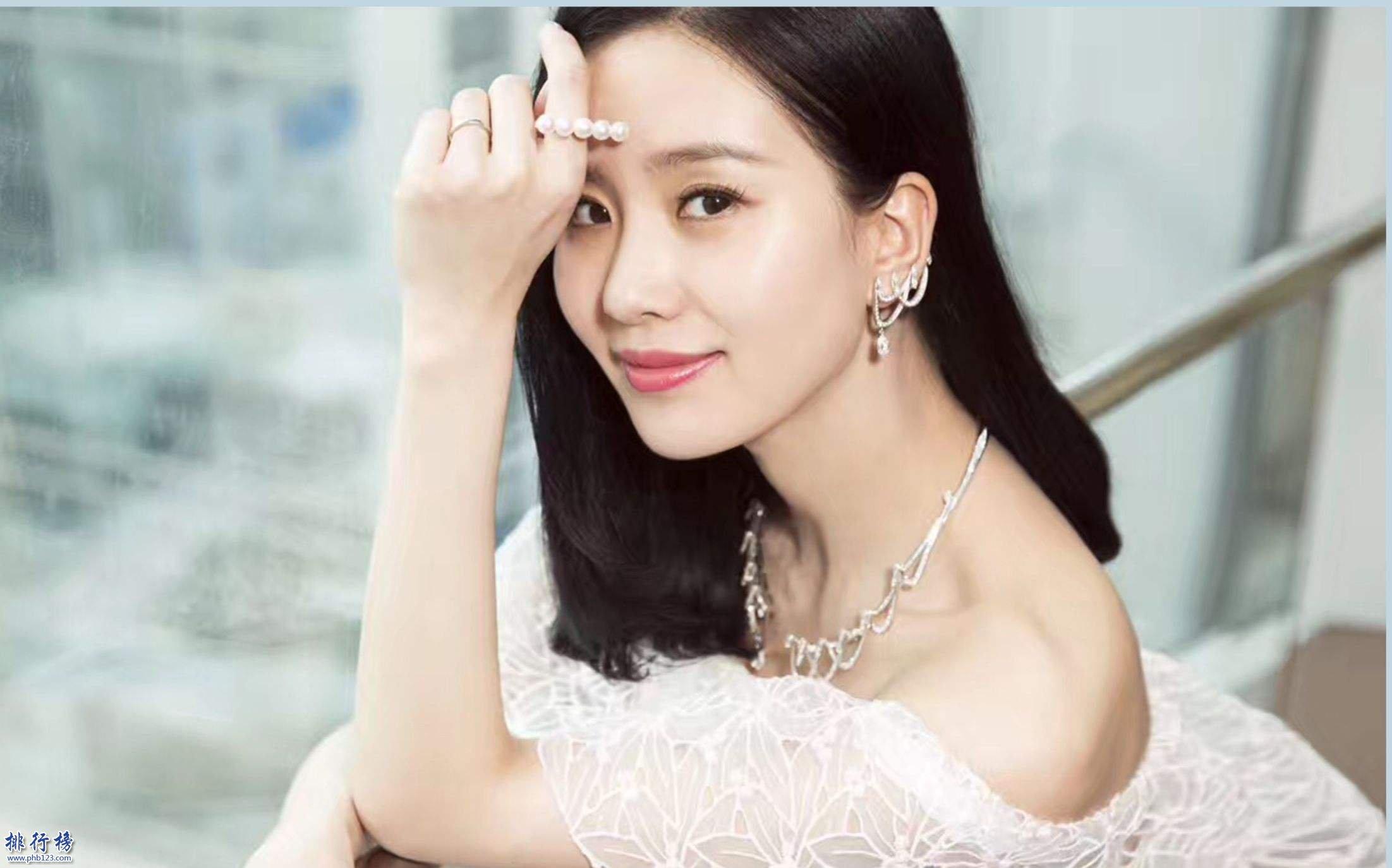泰国最美10大女明星_2018年中国十大美女排行榜 中国最美女明星排名都有谁_排行榜123网