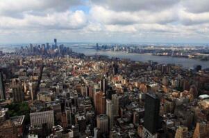 美国城市面积排行榜:纽约8683km2居首,42城面超1000km2