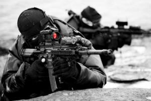 美國特種部隊排名 海豹突擊隊殺敵如同胎囊取物