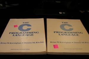 全球十大编程语言排行榜:C最古老,JavaScript第一