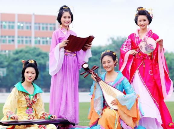 中国古代四大才女:卓文君为爱卖酒,第一嫁三人