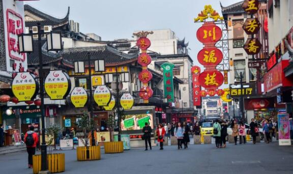 Have you ever been to Li Gongdi and Shuyuan Lane, Suzhou's most famous snack street?