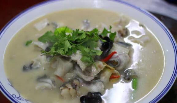 枣庄十大名吃 枣庄煎饼排好吃到爆,第一当地酒席必备