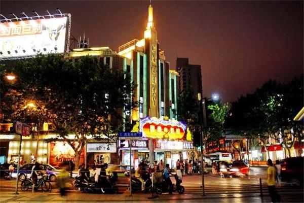 上海适合夜游的地方 逛吃夜游的最佳选择地