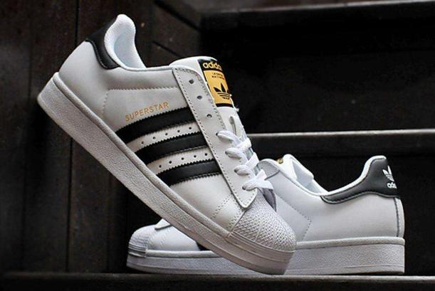 阿迪达斯十款最火鞋子 经典贝壳鞋位列第一