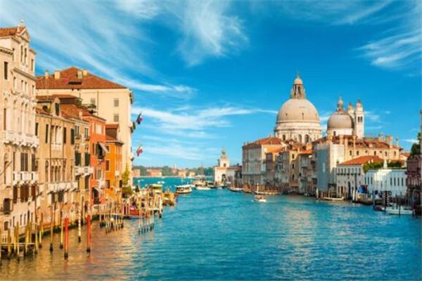 世界上最浪漫的城市 赶紧带上你的老婆大人一起去吧