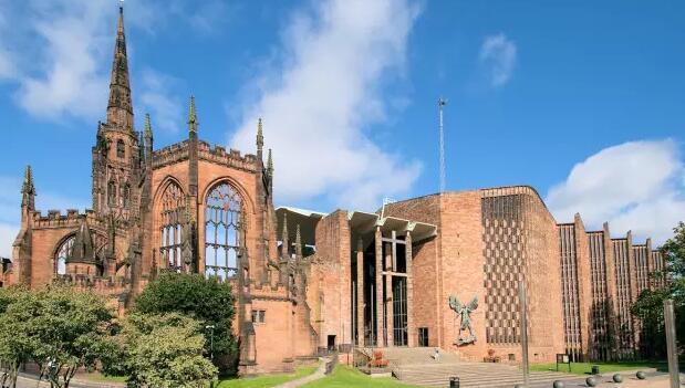 英国十大著名建筑,汉宫教堂大本钟,历史悠久最受欢迎的建筑