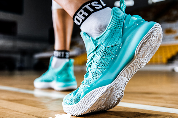 十大后卫篮球鞋排行榜 颜值性价比双在线(乔丹/艾弗森上榜)
