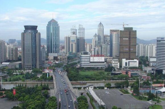 中国地级市100强,前十都在东南部地区