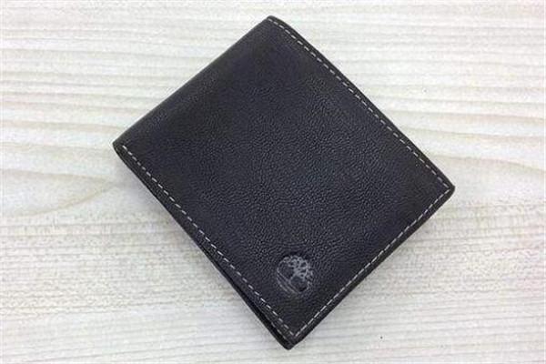 男生500左右的钱包哪个牌子好?送男生钱包500内的牌子推荐