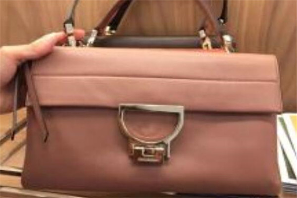 哪些牌子500元左右的包包好?500以内小众品牌包包