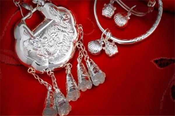 什么牌子的银饰好?全球十大银饰品牌推荐