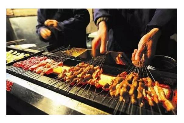 郑州最有名夜市小吃街 正宗河南美食齐聚一堂