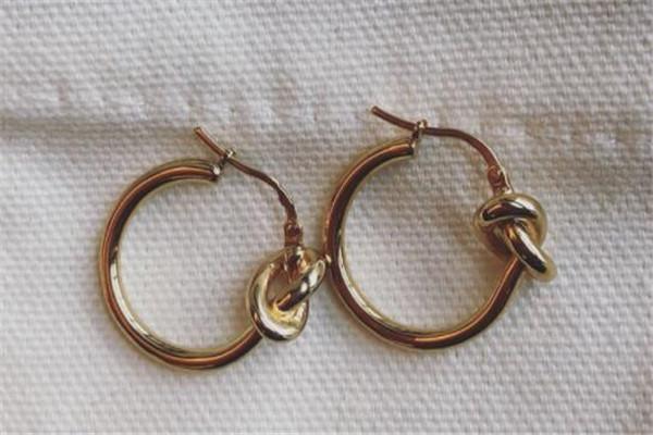 耳环十大经典,除了四叶草款你还入手过其它的吗