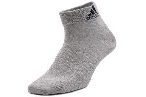 世界十大袜子品牌,新百伦与耐克上榜,第一名实至名归