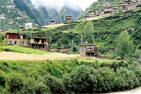 青海十大名村,拉则村古建筑超多,其余个个风景如画