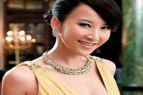 中国实力女歌手排名 那英王妃上榜,第一名以甜美天后著称