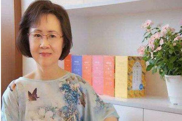 台湾十大女作家之首与琼瑶为好友,三毛竟然委居第二名