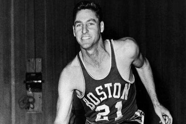 NBA历史十大得分后卫 人称滑翔机排名第5名,第一名当之无愧