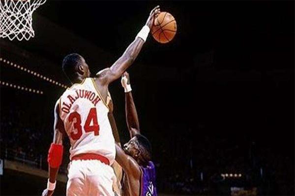 NBA抢断榜 篮球之神乔丹仅仅排名第3,第一名竟抢断3265次