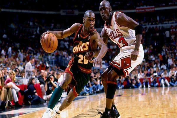 NBA总助攻榜 末节之王称号的小托马斯排名第5,首榜意料之外